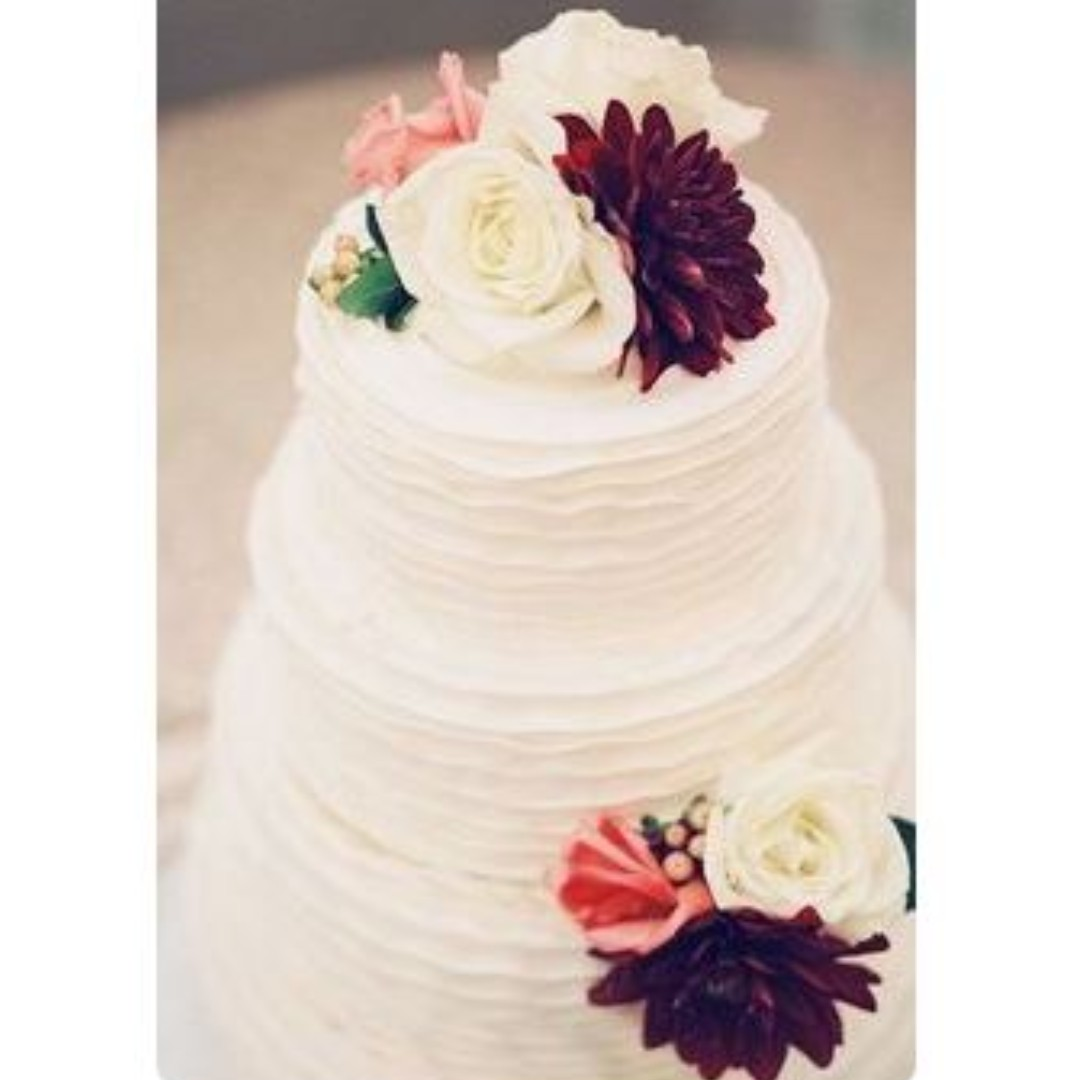 Affordable Wedding Cakes | Classy Wedding Cakes 6 Food Drinks Baked Goods On Carousell