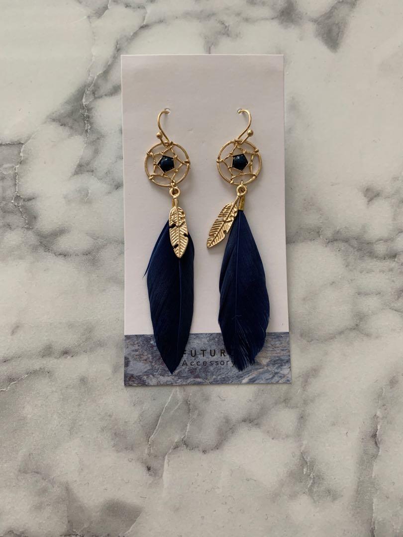 a5f901c29b071 Dream catcher earring in navy blue