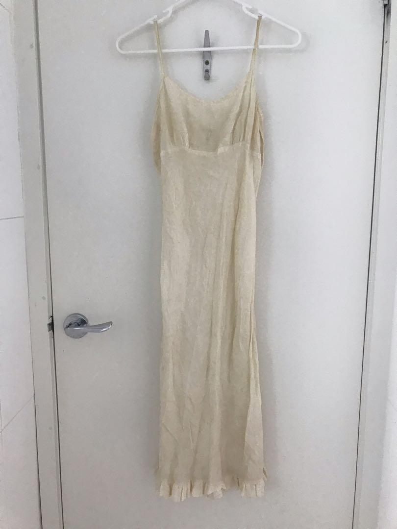 Fleur wood new cream broderie anglaise dress size 2 (8-10) tall with 100% silk slip