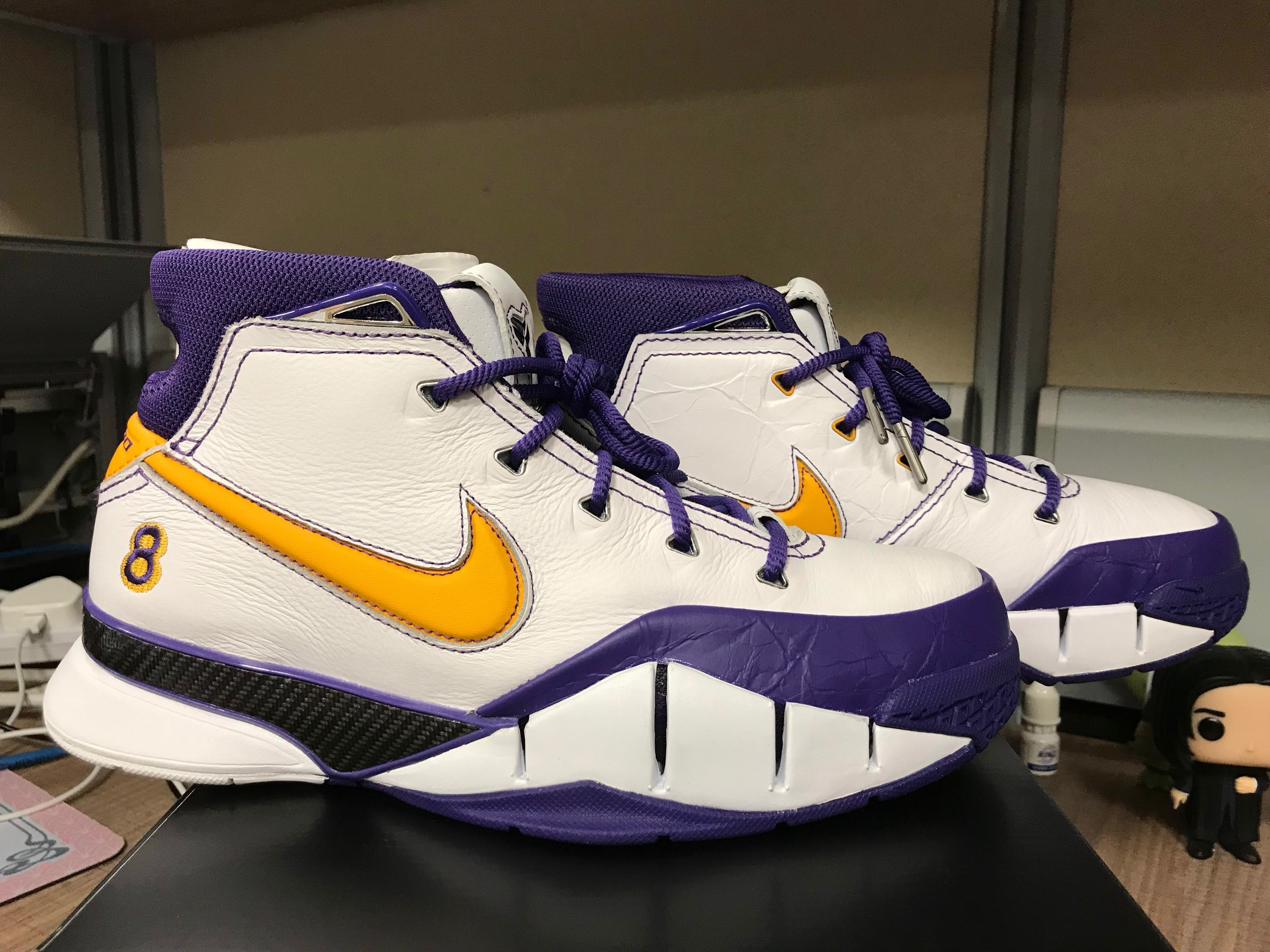 80a825272452 For Trade or Sale Kobe Protro Nike Zoom Air Size 7US