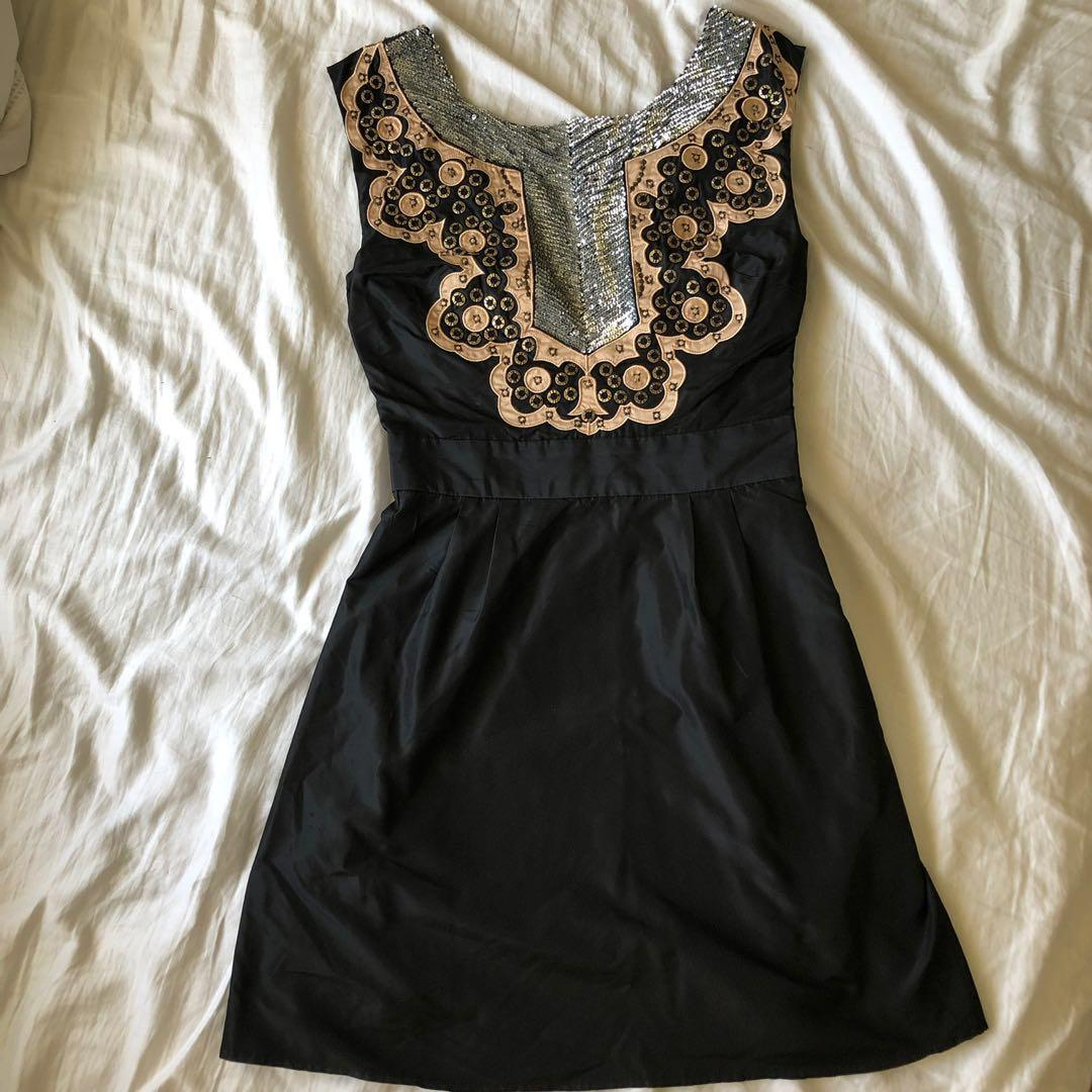French Connection Gold and Silver Sequin Detailed Neckline Black Dress