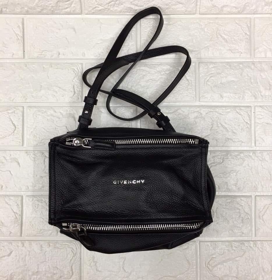 c893ee71f5 Givenchy Pandora Small Bag