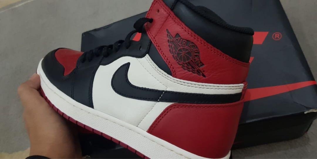 e6e1772a422 Jordan 1 bred toe US 9, Men's Fashion, Men's Footwear, Sneakers on Carousell