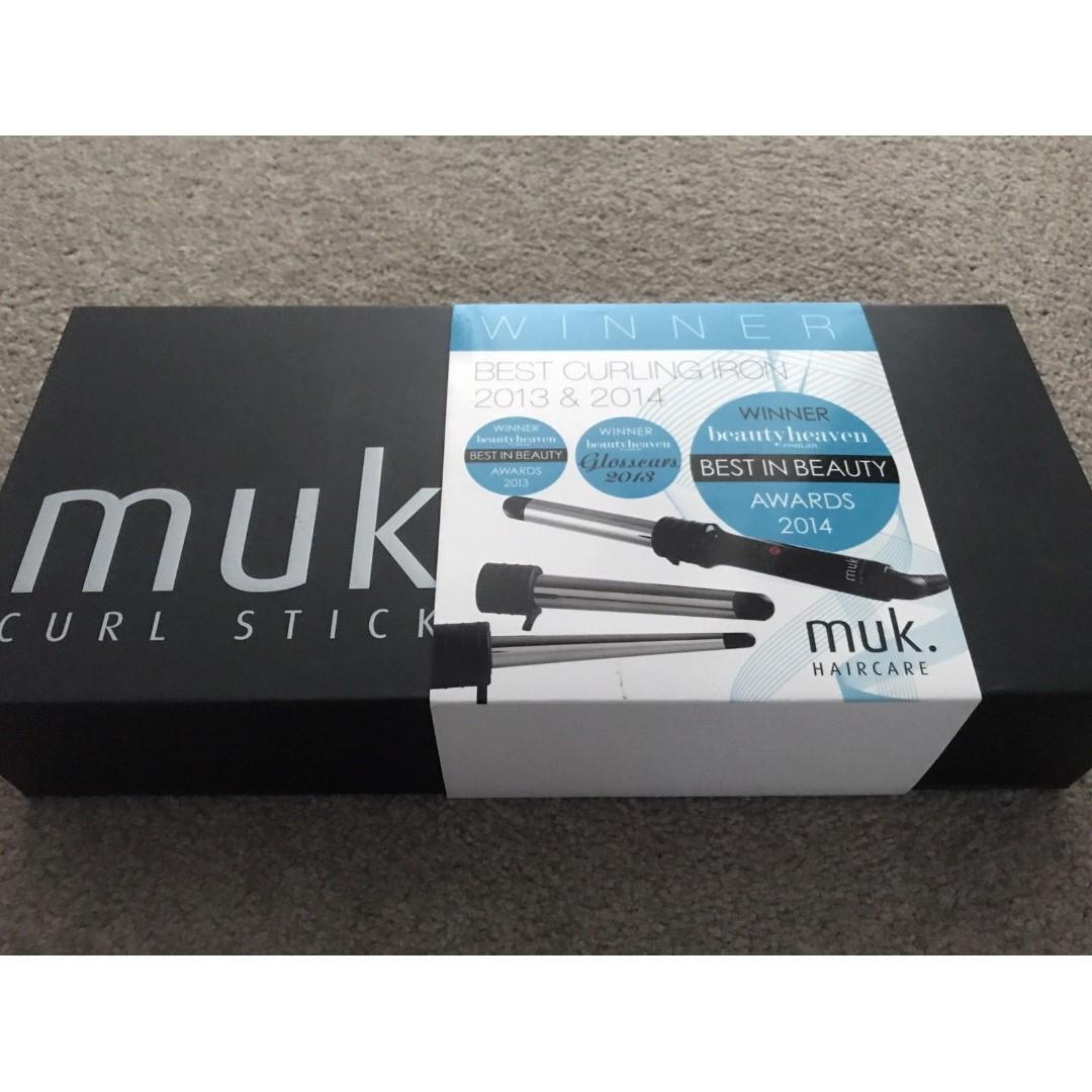 Muk Curl Styler Stick with 3 Interchangeable Barrels & Heat Proof Glove