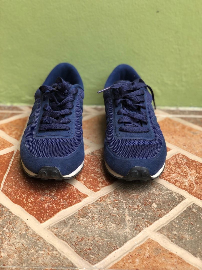 49186a6be5 New Balance Blue Sneakers Size Mens US 6 or 7.5 Womens