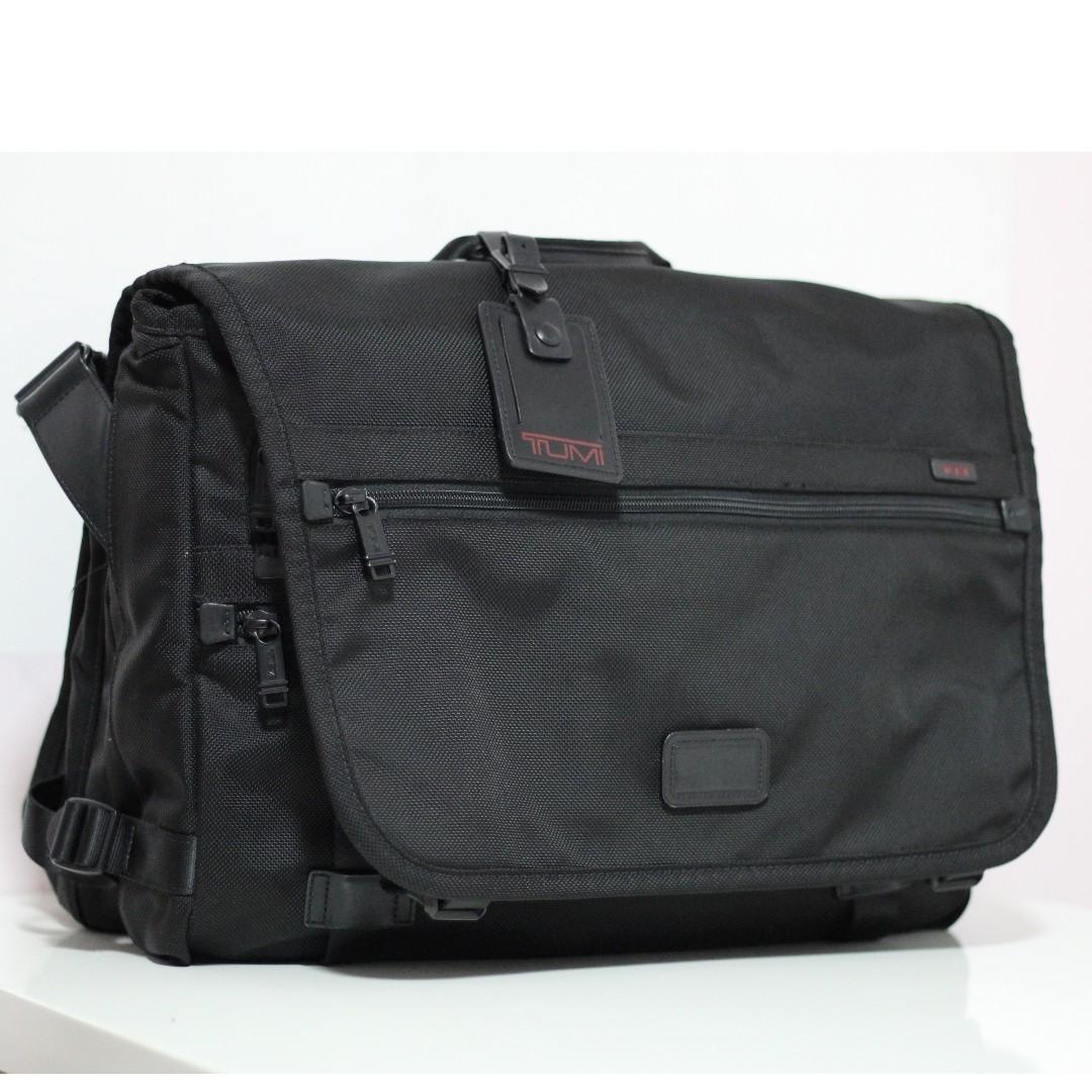 e480e6f2b212 Tumi 22174DH Expandable Travel Messenger FXT Ballistic Nylon Bag Briefcase
