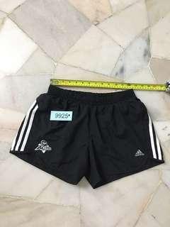 Adidas Short size 8 no 9925