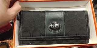 🚚 Coach 皮夾2000清倉價因為瑞芳區潮濕所以保卡有模糊皮夾保證正品