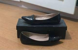 Zalora Pointed Ballerinas (Black)