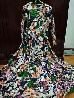 Floral Dress suitable for dinner / events flowy