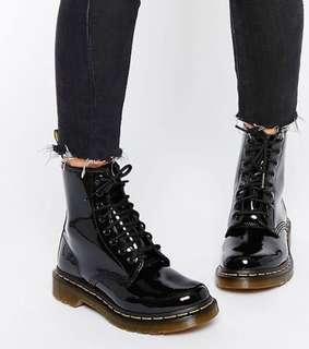 Dr. Martens 1460 patent boots sz6