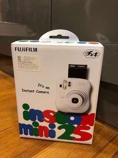 Fujifilm Instax Mini 25 BNIB