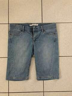 Old Navy jean shorts - size 6