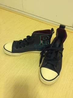 二手Polo兒童休閒鞋 (Eur size: 32)