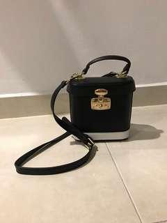 Bysi Box Bag