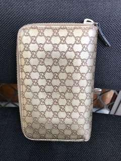 Great Deal! Gucci wallet authentic
