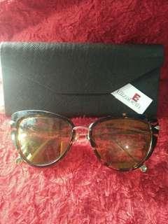 Kacamata fashion Elizabeth