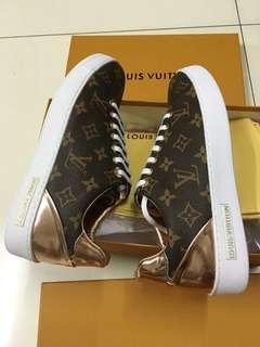 Sale! Brandnew Authentic Quality LV Louis Vuitton Shoes