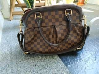 1267dfc61e99 Preloved Loui Vuitton Trevi PM Damier with receipt