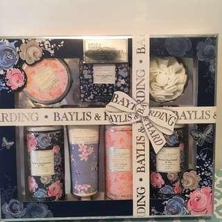 BAYLIS & HARDING women's body bath gift pack