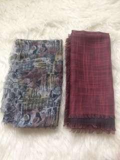 Hijab rawis segiempat dua warna