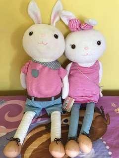 Cute bunny pair