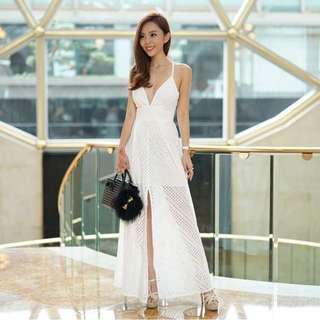 🚚 Sheike Getaway Dress in White