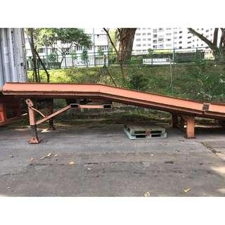 🚚 Ramp for container loading/unloading