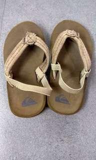 🚚 Quicksilver 兒童拖鞋 US8.5 CHN145
