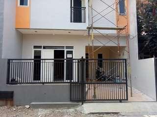 Dijual Rumah baru di Beji, Tanah Baru, Depok