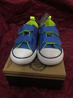 Converse shoes infant size 7 (14cm)