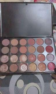 J Cats 24 eyeshadow palette