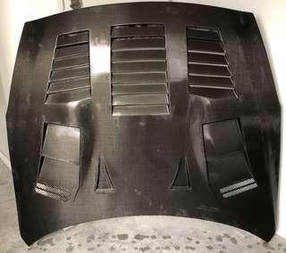 GTR-35 Dry Carbon GT-Style Bonnet