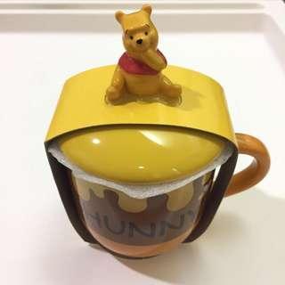 🚚 東京迪士尼 小熊維尼附蓋馬克杯