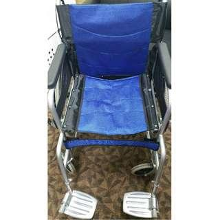 [For rent] Wheelchair. Photos of items are in original conditions and without filter!