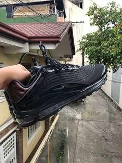 "Nike Airmax Deluxe ""TripleBlack"""