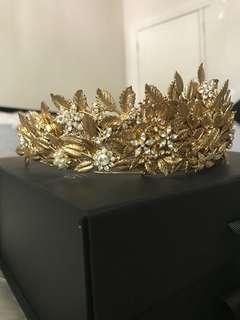 Gold crown/tiara