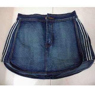 NEW! 牛仔裤裙 Denim Skirt with hot pants  ( XL size)