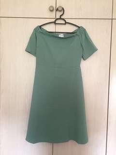 🚚 playdress green off-shoulder dress