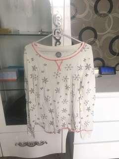 1 set pajamas snowflake