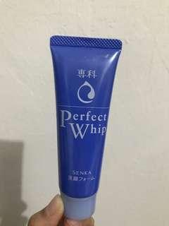 Senka Perfect Whip 50 gr