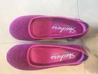 🚚 Skechers ladies walking shoe