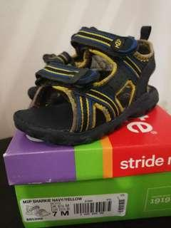 💯 Stride Rite Made to Play Sandals
