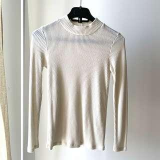Uniqlo Off white sweater