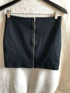 H&M black skirt with zipper