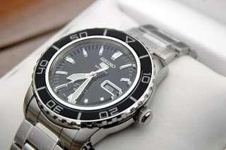 Authentic Brand New Seiko 5 Sports Automatic Men's Watch SNZH55K1 SNZH55 SNZH SNZH55K
