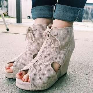 Jeffrey campbell Mary roks peep toe boots