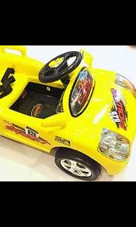 Large Electric Toy Car With Remote Control (Rechargeable Batteries)