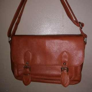 Parasian sling bag