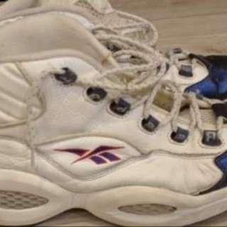 2手,艾佛森,US12,300元,鞋價已反應鞋況,別再問。